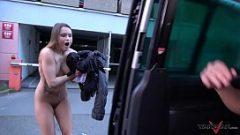 Трахни ее и отпусти ее на улице на улице