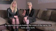 У двух блондинок есть секс с тем же мужчиной