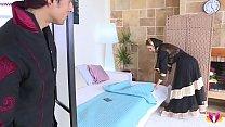 Секс с красивой женщиной-парикмахером в Аравии