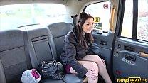 У водителя такси есть анальный секс со своими клиентами